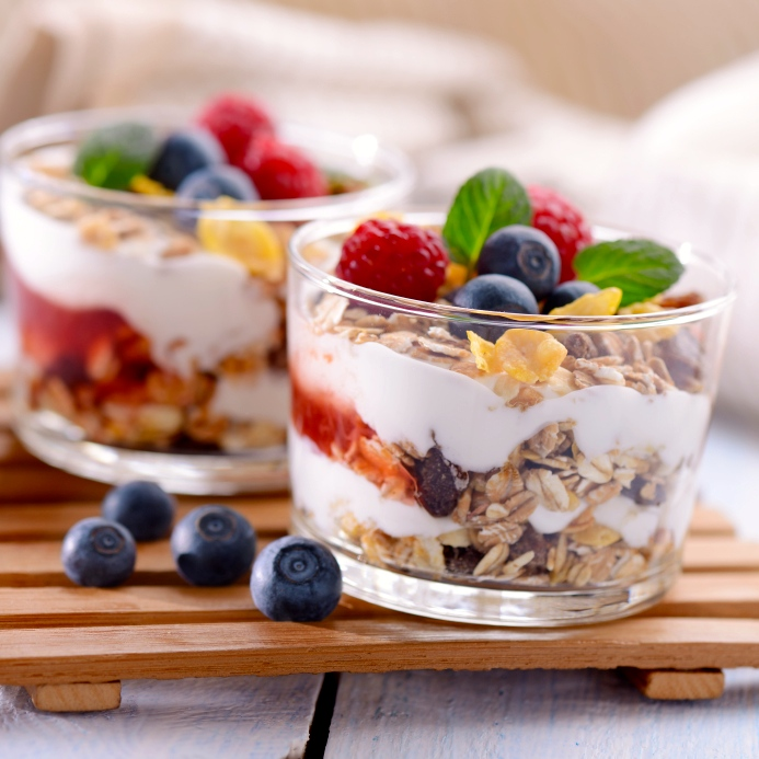 Berry & granola parfair yogurt