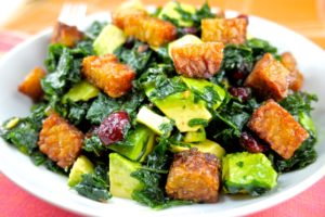 kale salad with tempeh croutons